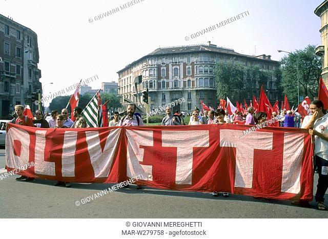 manifestazione pubblica a milano, lombardia, italia