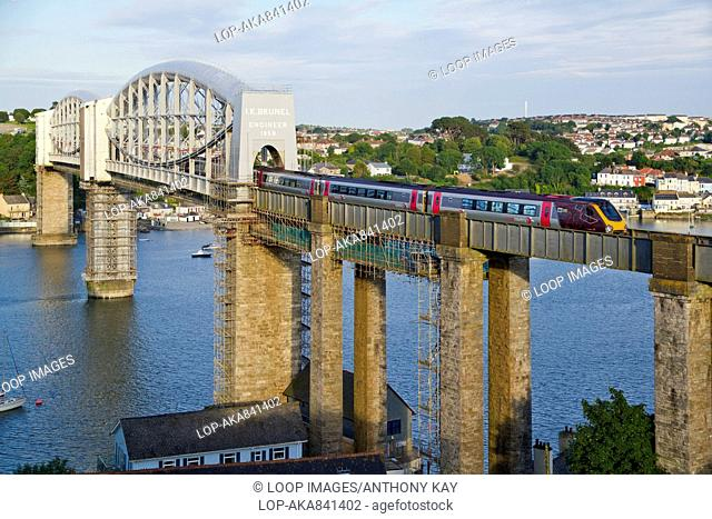 A train crossing the Royal Albert Bridge