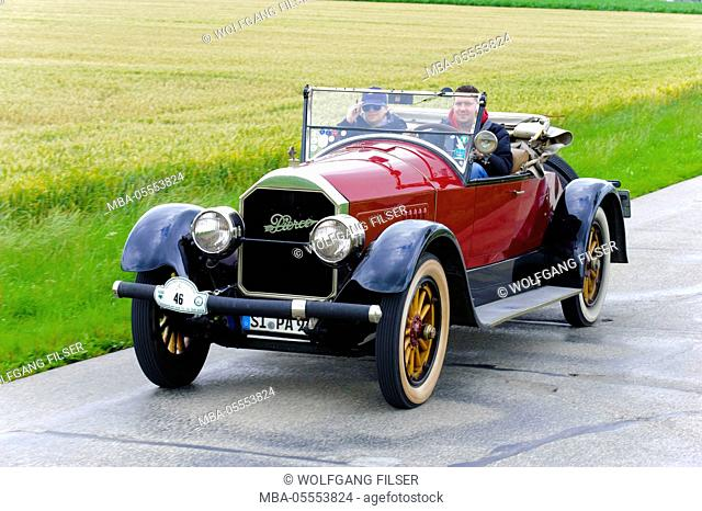 Old-timer rally 'Herkomer contention' in Landsberg in Lech for at least 80 year-old cars, here close Pierce Arrow, year of manufacture in 1924