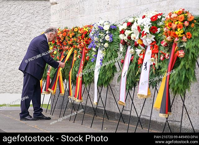 20 July 2021, Berlin: Reiner Haseloff (CDU), President of the Bundesrat, commemorates those murdered in the resistance against National Socialist tyranny at the...