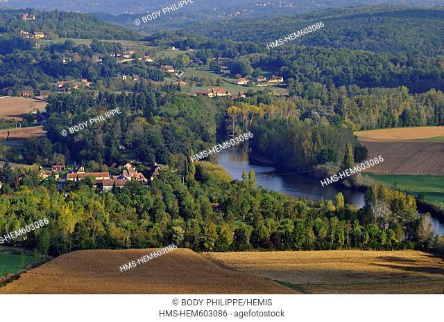 France, Dordogne, Perigord Noir, Dordogne river aerial view