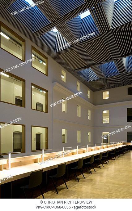 Reading spaces on mezzanine. Haus der Bildung - Municipal Library Bonn, Bonn, Germany. Architect: kleyer.koblitz.letzel.freivogel.architekten, 2015
