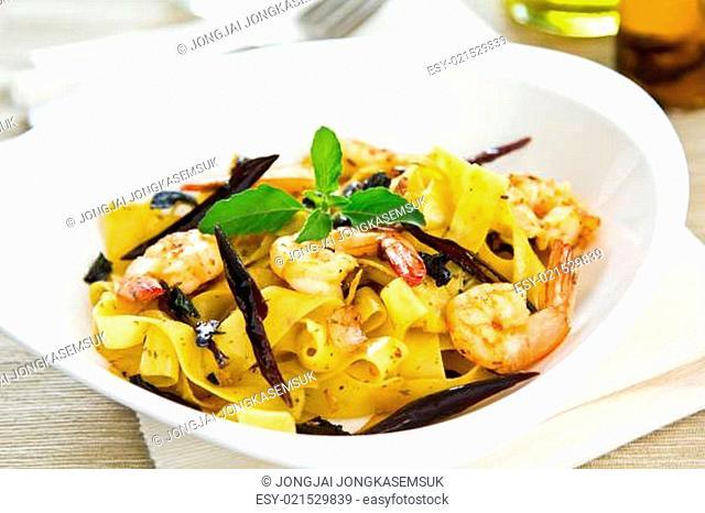 Tagliatelle with prawn and dried chilli