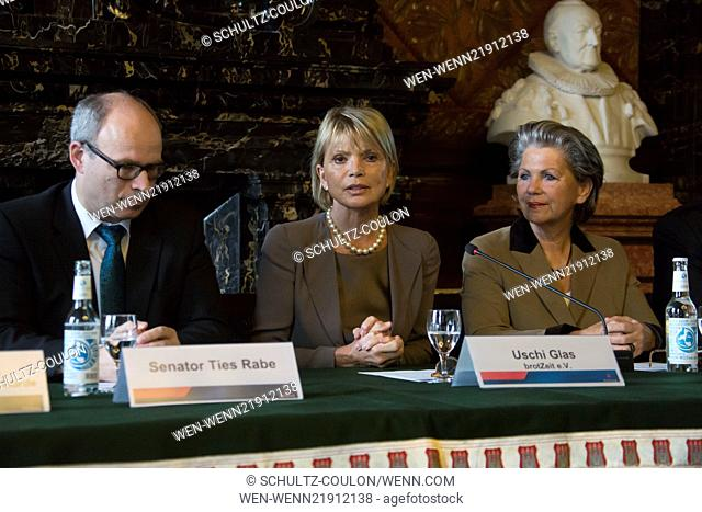 BrotZeit press conference with Uschi Glas at the Townhall Featuring: Ties Rabe,Uschi Glas,Hannelore Lay Where: Hamburg, Germany When: 10 Nov 2014 Credit:...