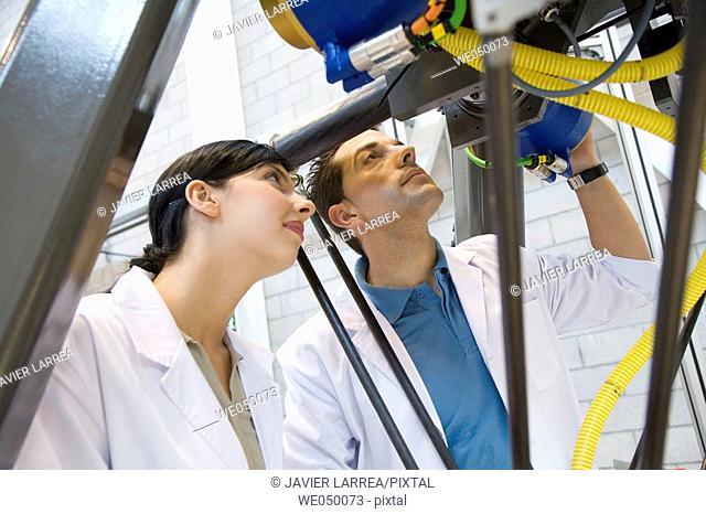 Fatronik Research Centre, San Sebastian Technological Park, Donostia, Gipuzkoa, Basque Country. Testing Quickplacer high-productivity robot