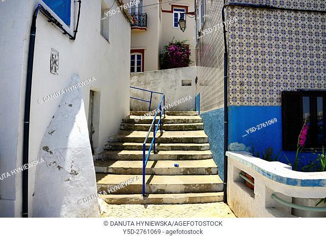narrow streets and characteristic Algarvian architecture, Old Town of Ferragudo, Lagoa, Algarve, Portugal, Europe