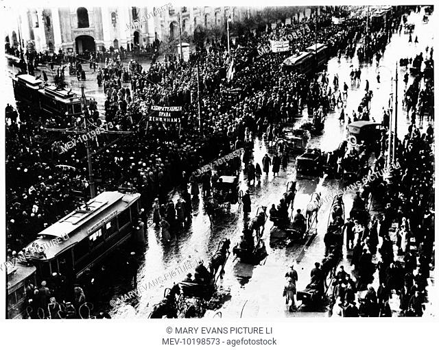 Women are prominent in a parade by dissidents on the Nevski Prospekt, Petrograd