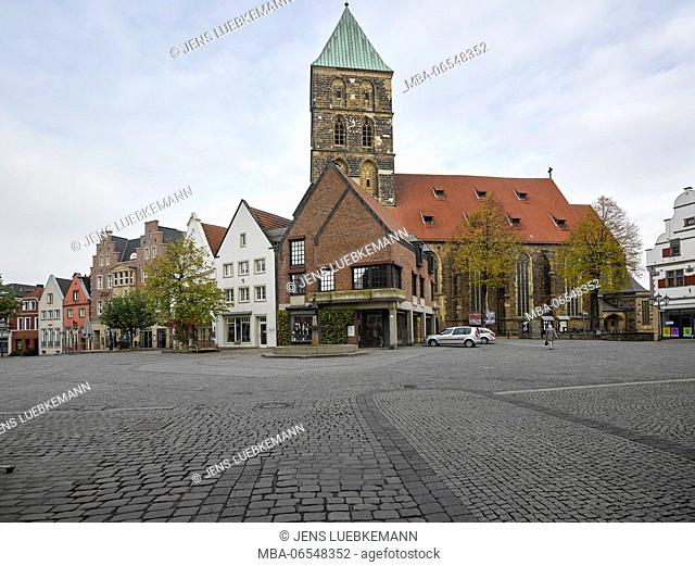 Rheine, market square with church in the background