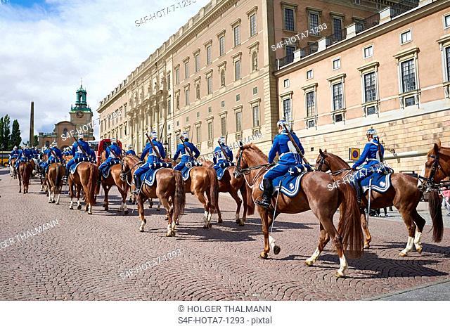 Schweden, Stockholm, Militärparade am Königsschloss