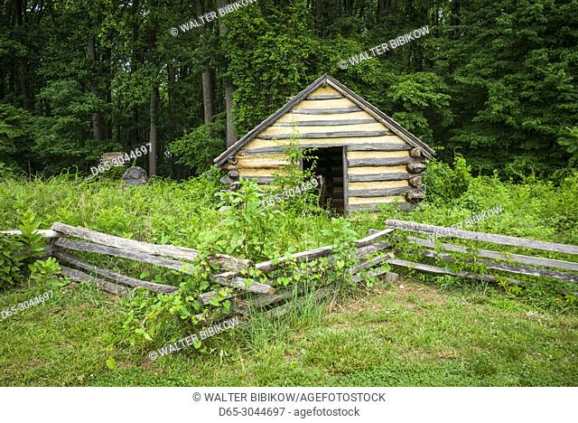 USA, Pennsylvania, King of Prussia, Valley Forge National Historical Park, Battlefield of the American Revolutionary War, Wayne's Woods, wooden cabin