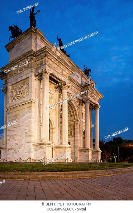 Arch of Peace at night, Piazza Sempione, Milan, Italy