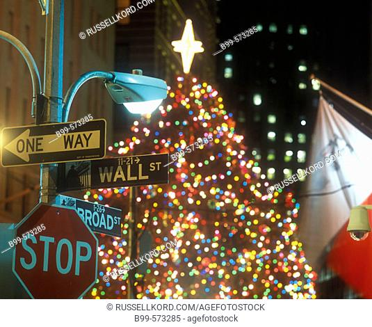 Christmas Tree, Wall Street Sign, Financial District, Manhattan, New York, USA