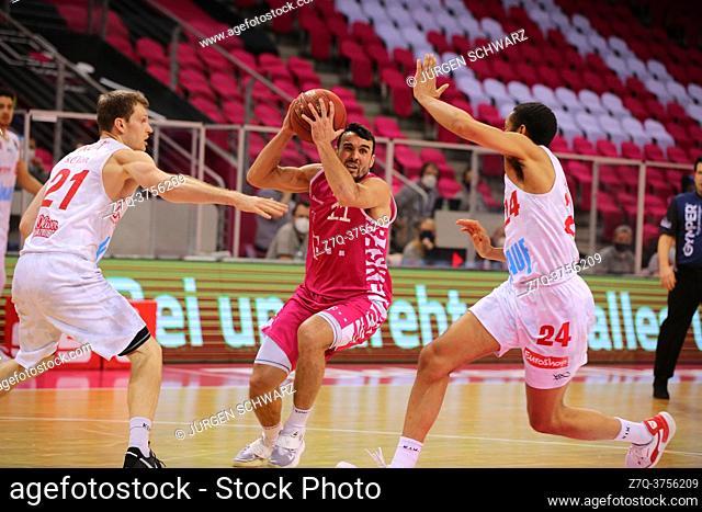 Bonn, Germany, 09. 01. 2021, Telekom Dome, Basketball Bundesliga, Telekom Baskets Bonn vs s. Oliver Wuerzburg: Florian Koch (Wuerzburg)