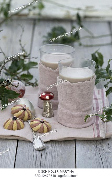 Hot chocolate with felt warmers