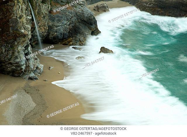 McWay Falls, Julia Pfeiffer Burns State Park, Big Sur Coast Highway Scenic Byway, California