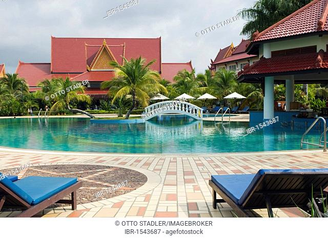 Swimming pool, Sokha Beach Resort, Sihanoukville, Cambodia, Indochina, Southeast Asia