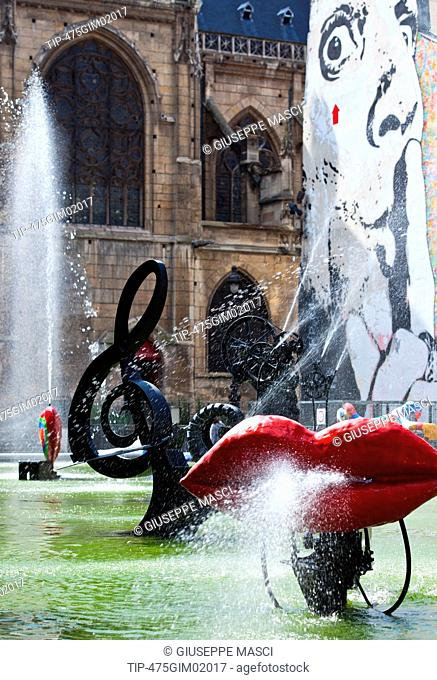 France, Paris, Stravinsky fountain, by J.Tinguely at George Pompidou Center