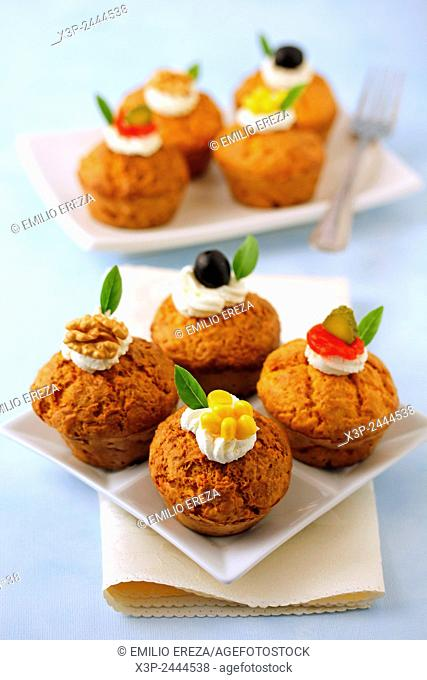 Savory cupcakes with cheese and pumpkin. e