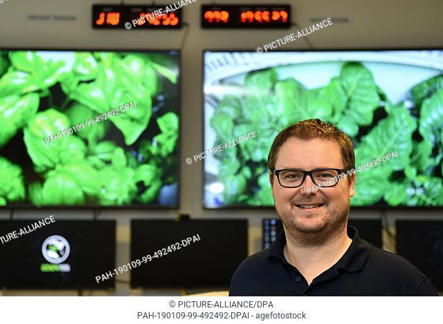 09 January 2019, Bremen: Paul Zabel, space engineer, is standing in the control room of the German Aerospace Center (Deutsches Zentrum für Luft- und Raumfahrt;...
