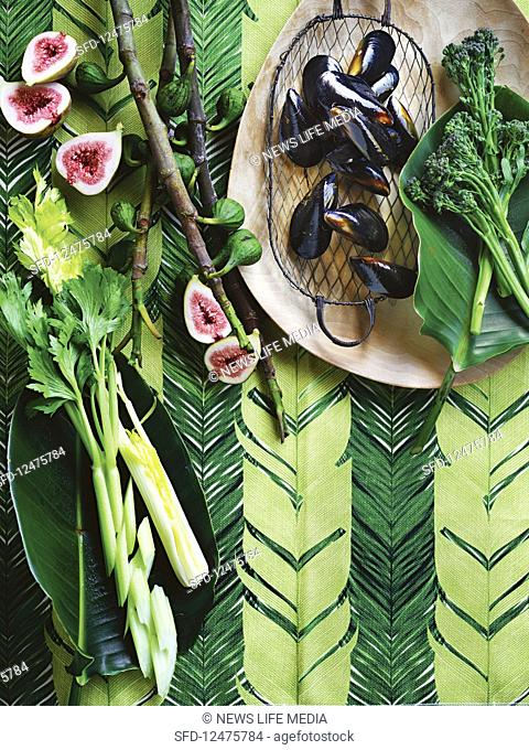 Broccolini, celery, mussels and figs