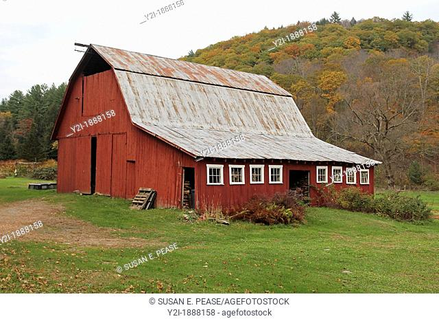 Autumn view of a barn in Brookline, Vermont