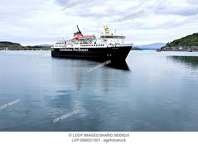 A ferry coming into Oban harbour