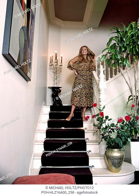 French singer Dalida posing in her house located 11bis rue d'Orchampt in the 18th arrondissement of Paris. November 1977 Photo Michael Holtz