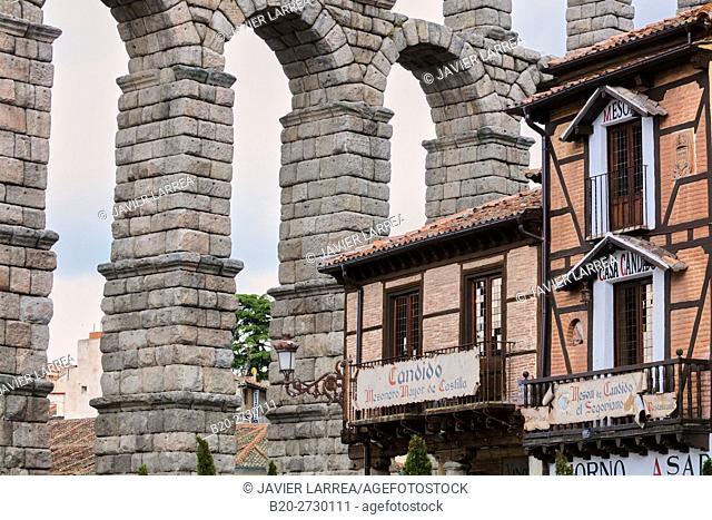Spain, Castile-Leon, Segovia, Roman Aqueduct and famous Meson de Candido restaurant