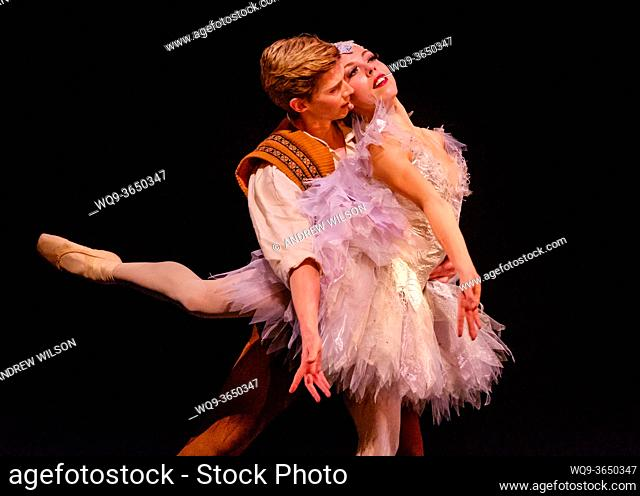 """A scene from the SCOTTISH BALLET production of """"""""The Fairy's Kiss"""""""" (Le Baiser de la Fée) at the Theatre Royal, Glasgow. Scottish-born choreographer Kenneth..."""