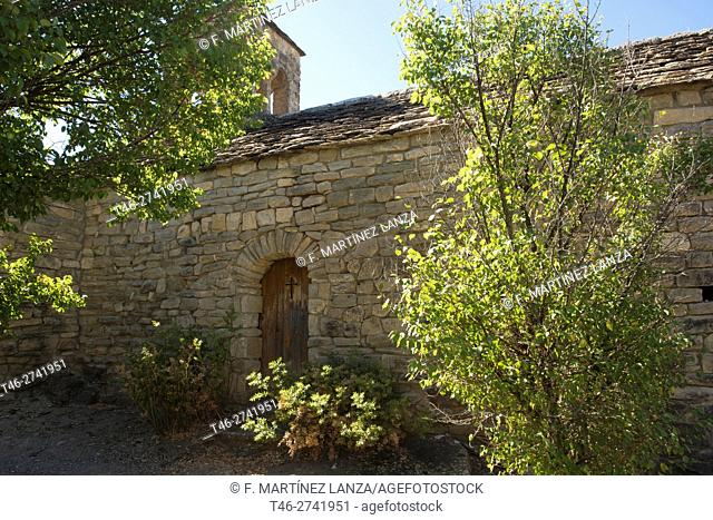 The parish church, dedicated to Saint Barthelemy, is Romanesque of the eleventh and twelfth centuries, The Borenia ST. Oisme