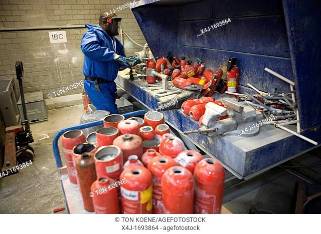 Recycling of fire extinguishers All municipalities in The Netherlands are required to provide known collection points for recyclable and/or hazardous materials...