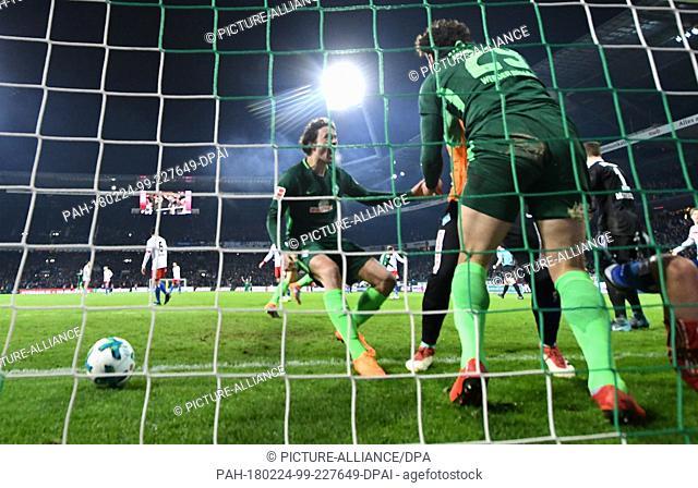 24 Febuary 2018, Germany, Bremen, German Bundesliga soccer match between Werder Bremen and Hamburger SV, Weserstadion: Werder's goal scorer Ishak Belfodil (29)...
