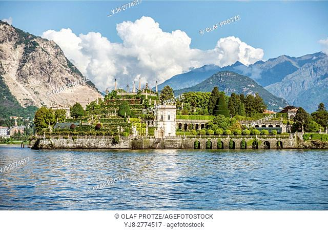 Terraced garden of Palazzo Borromeo at Isola Bella, Lago Maggiore, seen from the lakeside, Piemont, Italy