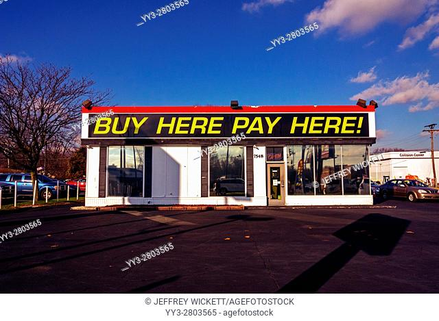 Used car dealer store front in Indianapolis, Indiana, USA