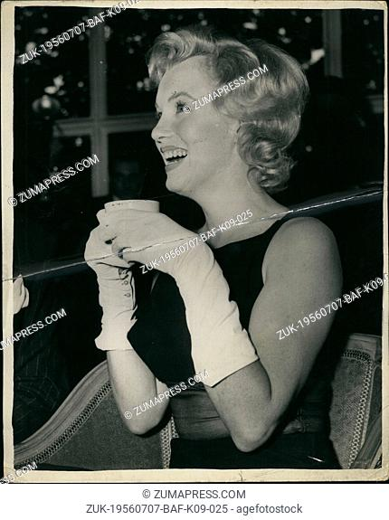 Jul. 07, 1956 - Marilyn Monore at Press Conference at the Savoy : Photo shows Marilyn Monore, who arrived in this country yesterday