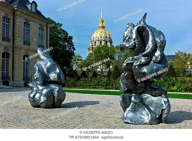 The Shade Sculpture By Auguste Rodin Stock Photos And Images