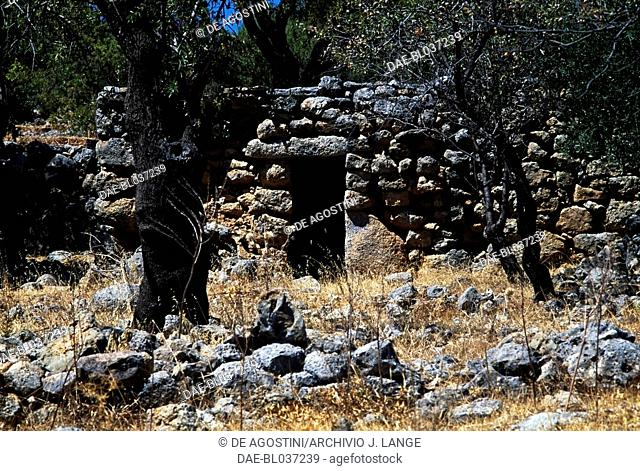Mitato, stone building dating from the Minoan period. Kroustas, Crete, Greece