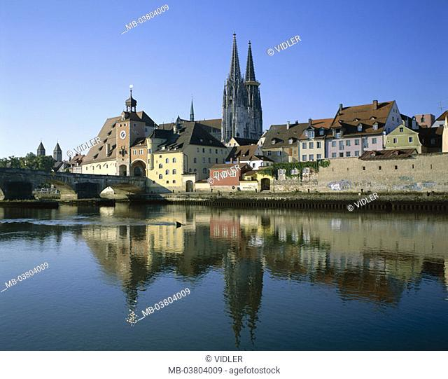 Germany, Bavaria, Regensburg,  view at the city, old town, cathedral St. Peter,  River Danube, bridge, Europe, Southern Germany, head palatinate, city, diocese