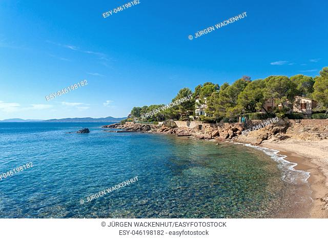 Coastal landscape with beach, Saint-Raphael, Var, Provence-Alpes-Cote d`Azur, France, Europe