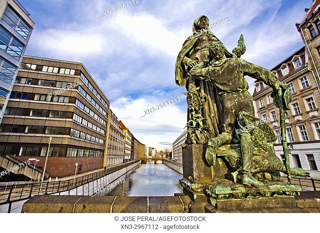 Saint Gertrude of Nivelles by Rudolf Siemering, Gertrude Bridge, Bronze sculpture Spreekanal, Berlin, Germany, Europe
