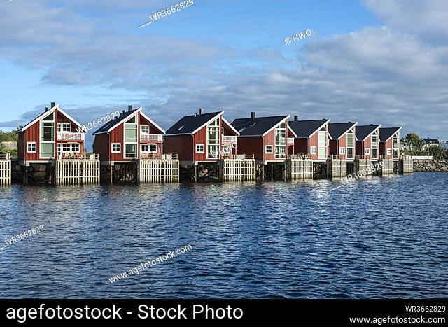Norway, Fisherman huts at harbor