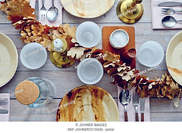 Place setting with autumn decoration