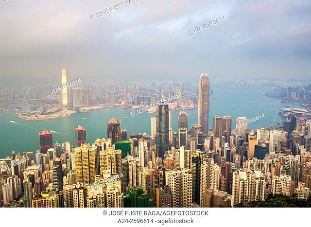Hong Kong City, Central District, Victoria Harbour