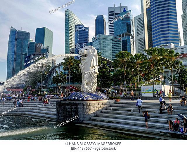 The Merlion, city landmark, Skyline financial center, downtown, Singapore
