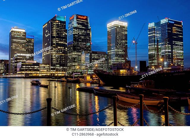 canary wharf, london, england, uk