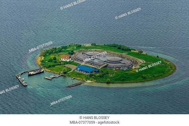 Forteiland Pampus, Fort island Pampus, Pampus is an artificial island in the IJmeer, VOR flight navigation complex, Pampus Island, Muiden, North Holland