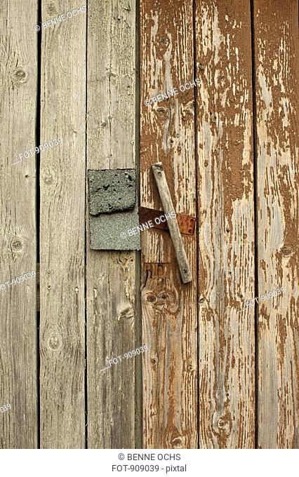 Detail of a latch on a wooden structure