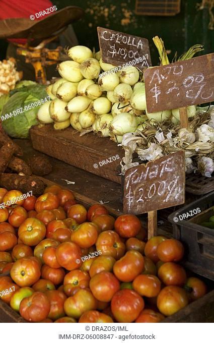 Shop, vegetables, tomatoes, garlic Havana, Cuba, Caribbean