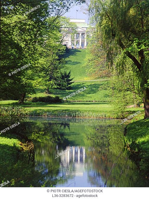 Poland. Warsaw. Belwedre Palace seen from Lazienki Park