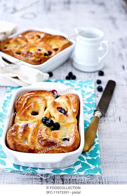 Blueberry Rohrnudeln (baked, sweet yeast dumplings)